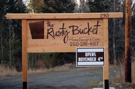 The Rusy Bucket Sign